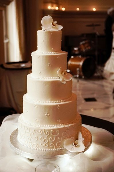 Weddingwire Custom Cake Design : Wedding Cake Designs, Wedding Cakes Photos by 627 ...