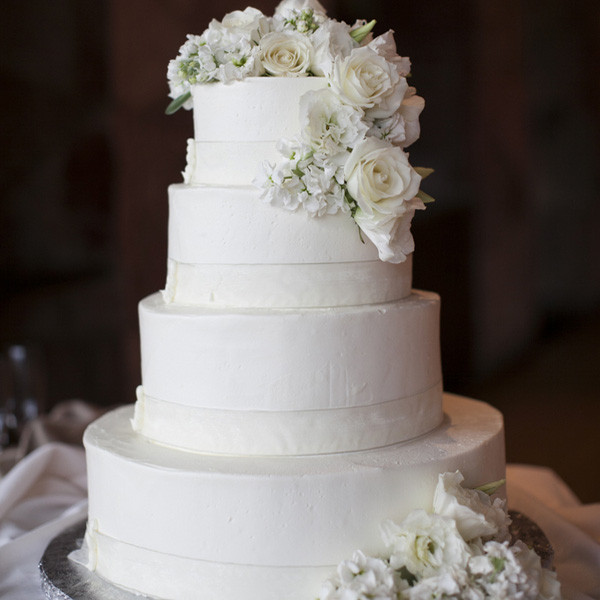 Classic Wedding Cakes Wedding Cakes Photos By Stephanie Brauer Wedding Photography Image 1 Of 16