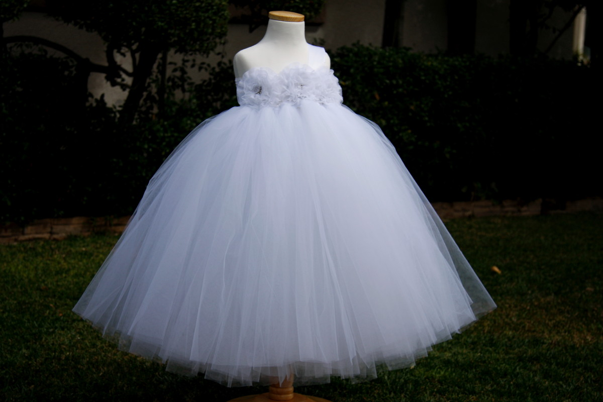 Giselle 39 s boutique dress attire santa ana ca for Rent wedding dress orange county