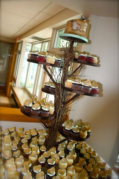 Wedding Cupcake Tree Bumbleberries Battle Creek Mi Cake