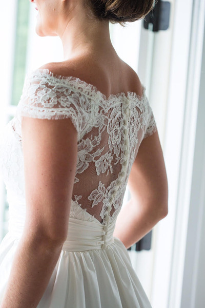Modern trousseau nashville nashville tn wedding dress for Wedding dress rental nashville tn