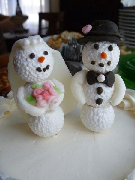 600x600 1327167109691 snowmenclose