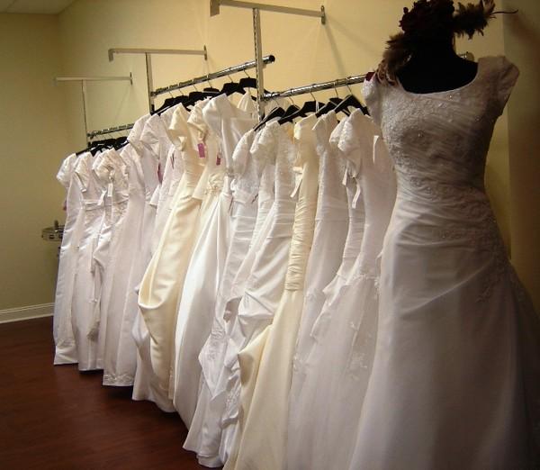 Simply elegant fort mill sc wedding dress for Simply elegant wedding dresses
