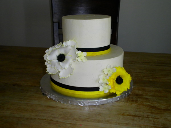 1368477387747 Steel Wed 2 Lewes wedding cake