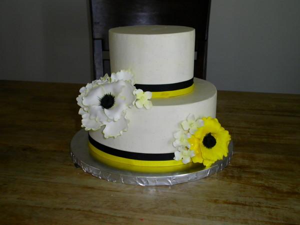 1368477387747 Steel Wed 2 Lewes wedding cake