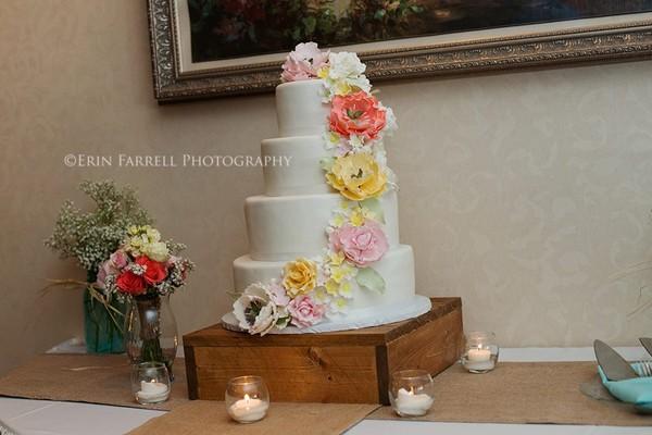 1375118317674 Emily Prof 2 Lewes wedding cake