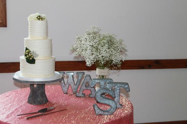 1453051320292 Drew And Meg Lewes wedding cake