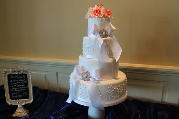 1453051459694 Img2500 Lewes wedding cake