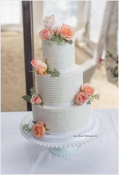 1453051545362 120471981004014616285518310955567839682655n Lewes wedding cake