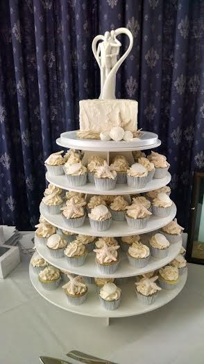 1453051636803 Unnamed Lewes wedding cake