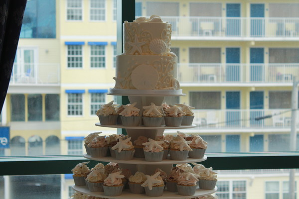 1453051775343 Closeup Seashell Lewes wedding cake