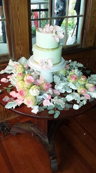 1453052351988 Merrits Cake Lewes wedding cake