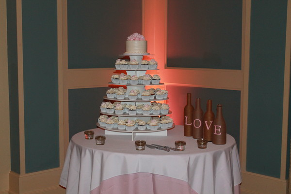 1453052358926 Ashley Callahan Lewes wedding cake