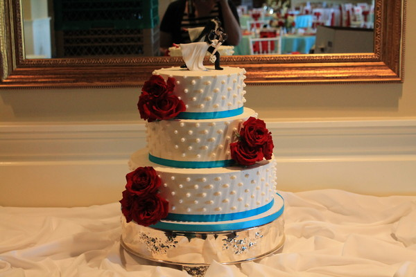 1453052467731 Bay Red 2 Lewes wedding cake