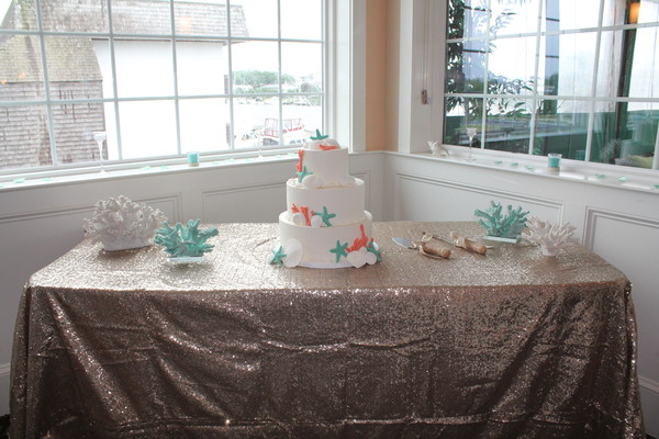 1453052527825 Coral T Lewes wedding cake