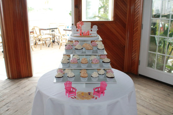 1453052552925 Fager Lewes wedding cake