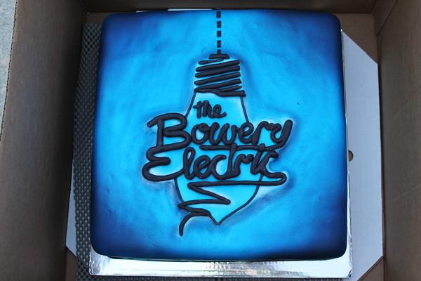 1453052911971 Bowery Lewes wedding cake