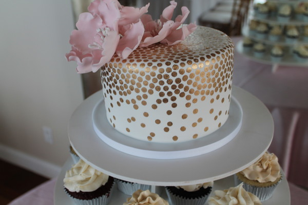 1453052943629 Close Dot Lewes wedding cake
