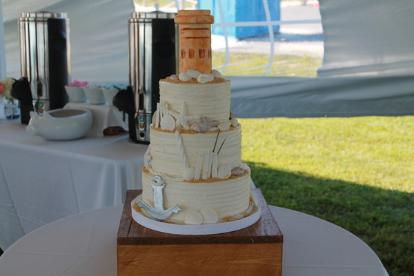 1453053003383 Jacona Lewes wedding cake