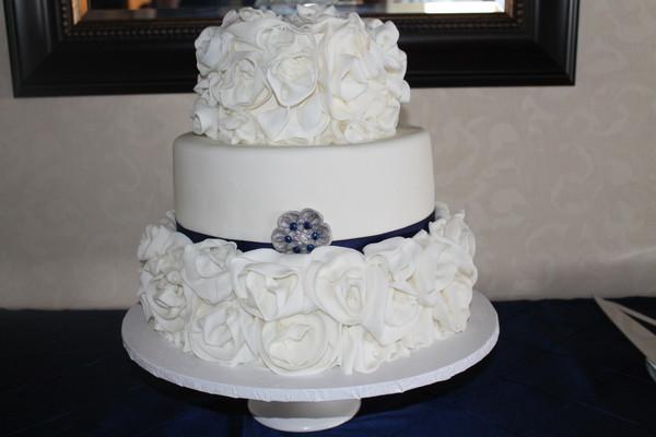 1453053236331 Img0658 Lewes wedding cake