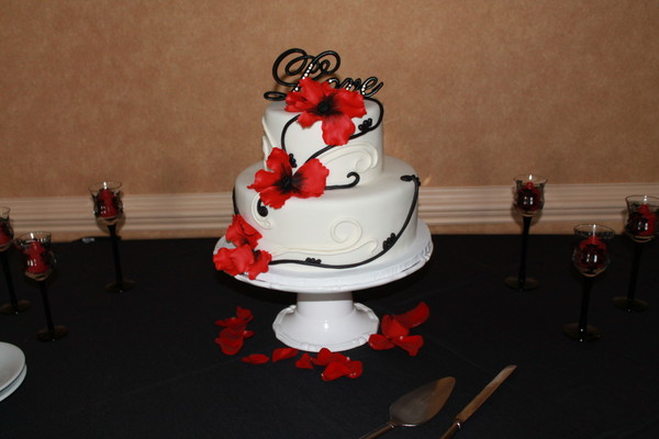 1453053351176 Jason X2 Lewes wedding cake