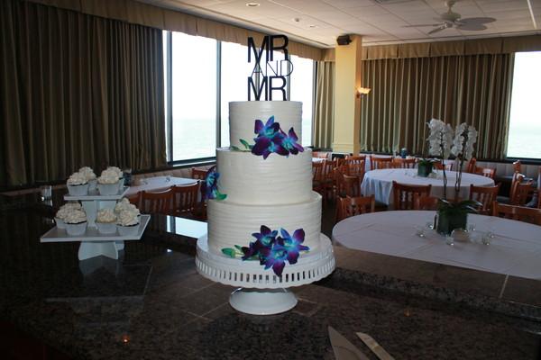 1453053378532 Jonathan 2 Lewes wedding cake