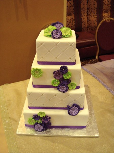 Wedding Cakes With Purple And Green Flowers: Jillicious ...