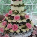 130x130 sq 1319897735121 weddingcakescupcakecakewithroses