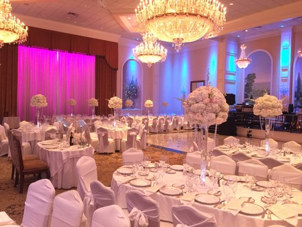 IL Villaggio Elegant Weddings and Banquets