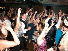 220x220 1465923880 8ca4116d090475f1 1465923044192 freddie james djs   dancing