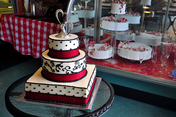 marco 39 s bakery chris 39 catering tucson az wedding cake. Black Bedroom Furniture Sets. Home Design Ideas