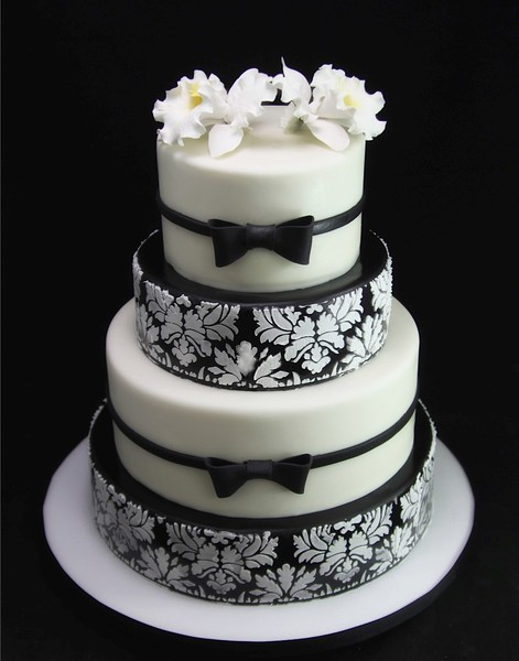 small wedding cake new york city 600x600 1420744369005 black white brocade wedding cake 20231