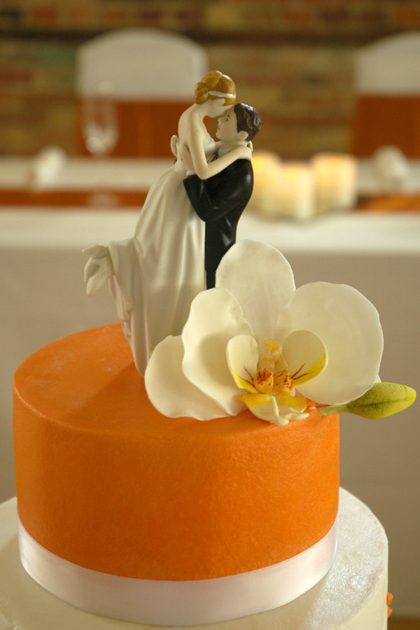 Artisan Cakes LLC - Wedding Cake - Brighton, MI - WeddingWire