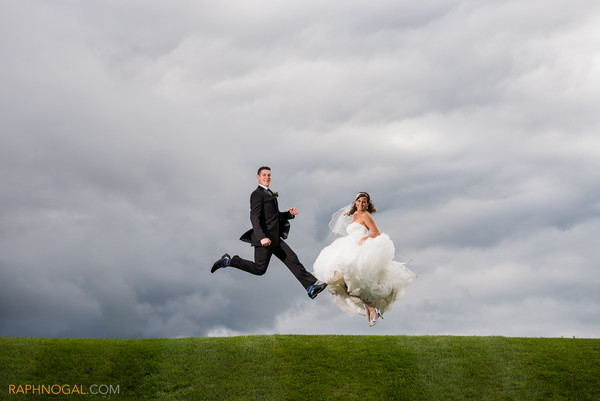 600x600 1432669179433 bride and groom field jumping 2