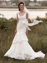 David&#39;s Bridal Collection  <br /> Style PK3472  <br /> Taffeta Scoop Neck Ruched Bridal Gown with Tiering