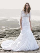 David&#39;s Bridal Collection  <br /> Style V3476  <br /> Strapless Sweetheart Fit and Flare Wedding Gown