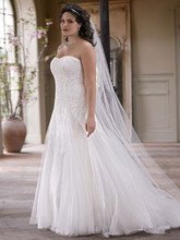 DB Woman  <br /> Style 9V3469  <br /> Strapless Tulle Wedding Gown with Beaded Appliques