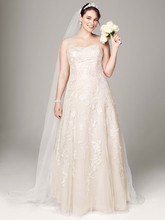 DB Woman Style 9V3587  Sweetheart Tulle A Line Gown with Lace Appliques