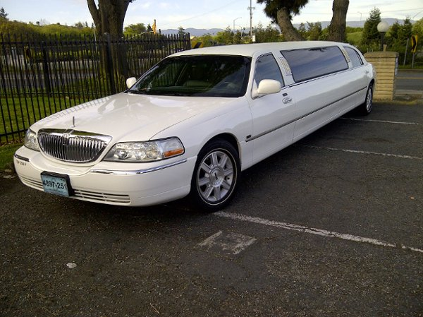 photo 6 of Elegant Silicon Valley Limo