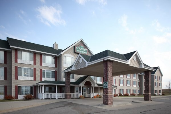 Nov 26,  · Now $93 (Was $̶1̶2̶1̶) on TripAdvisor: Country Inn & Suites by Radisson, Mankato Hotel and Conference Center, MN, Mankato. See traveler reviews, 33 candid photos, and great deals for Country Inn & Suites by Radisson, Mankato Hotel and Conference Center, MN, ranked #3 of 17 hotels in Mankato and rated of 5 at TripAdvisor/5().