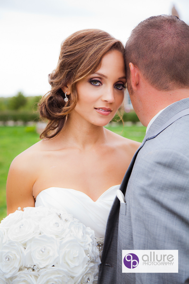 Allure photography event rentals cincinnati oh for Wedding dress rental cincinnati ohio