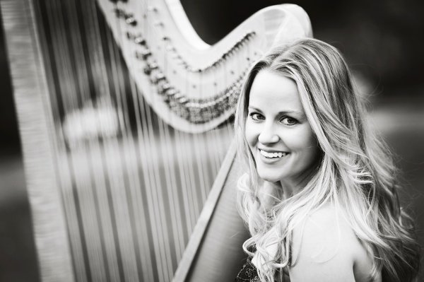photo 1 of Diana Elliott, harpist