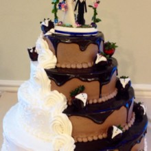 220x220 sq 1405477104253 weddingcake7