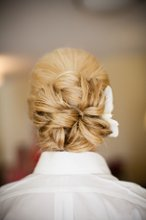 220x220 1327942335982 bridalhairmain