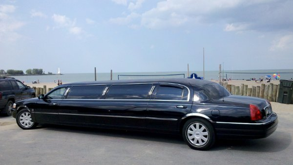photo 2 of Grand Carriage Limousine and Executive Transportation LLC