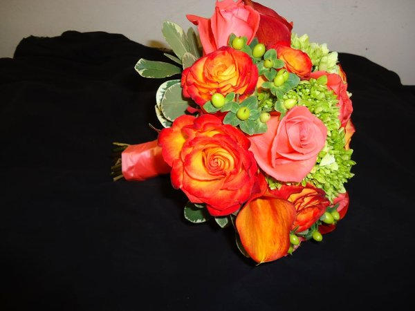 photo 2 of Bed of Roses Florist