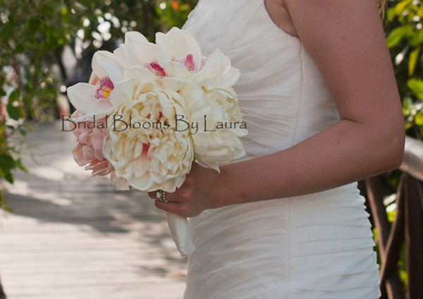 photo 2 of Bridal Blooms By Laura