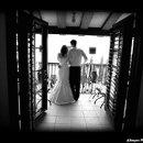130x130_sq_1209076560485-allegro_photo_balcony_coupl