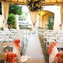 220x220 sq 1488510591 3ac4bdd0af784ab1 1481913195938 pic of courtyard wedding