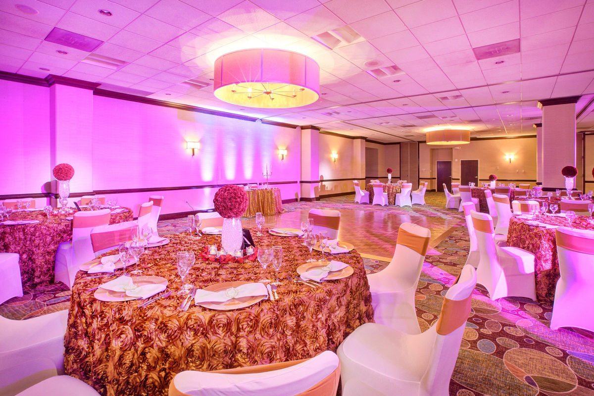 wedding reception crowne plazspringfield il%0A Holiday Inn National Airport Crystal City  Venue  Arlington  VA   WeddingWire